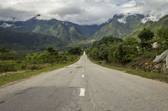 The road back to Sapa.
